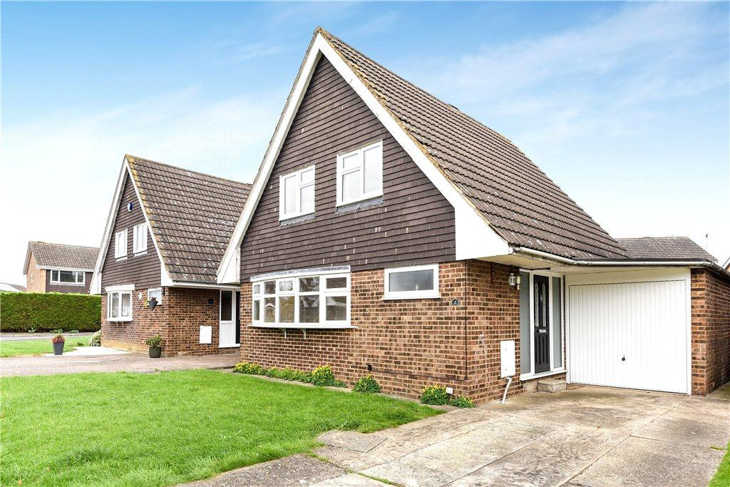 3 Bedrooms Detached House for sale in Dryden Close, Newport Pagnell, Buckinghamshire