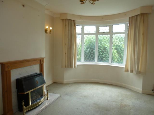3 Bedrooms Semi Detached House for sale in Daisy Hill Grove, Bradford