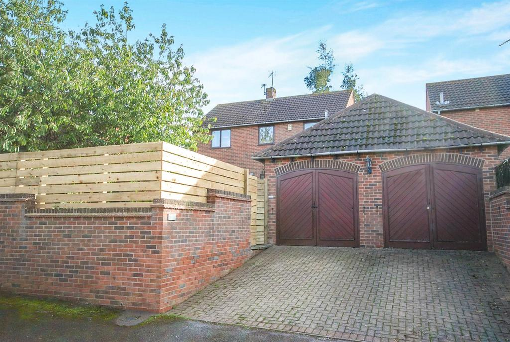 3 Bedrooms Link Detached House for sale in Carpenters Close, Cropwell Butler, Nottingham