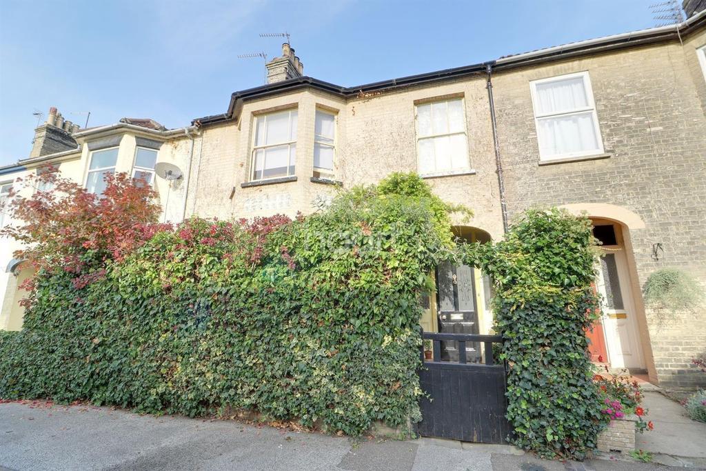 5 Bedrooms Terraced House for sale in Windsor Road, Lowestoft