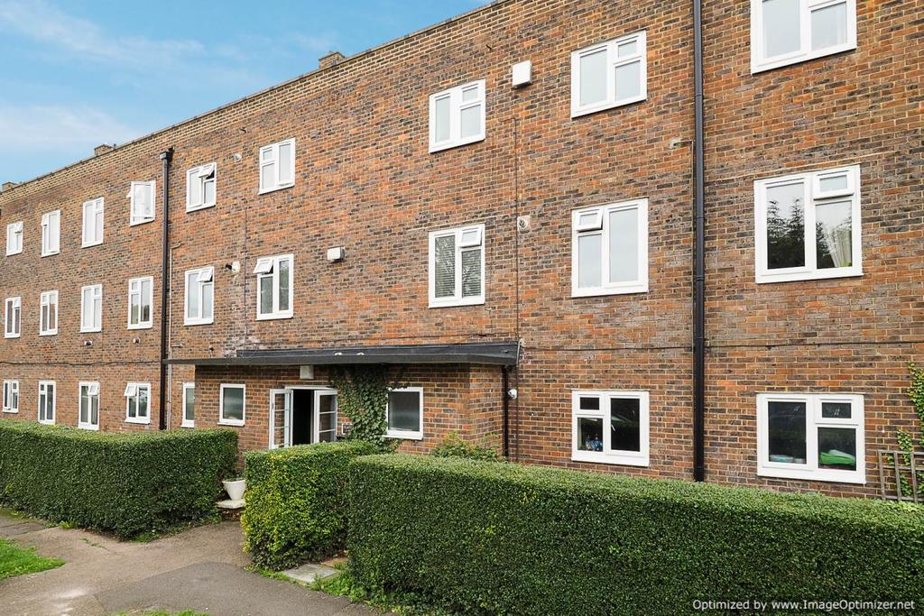 2 Bedrooms Ground Flat for sale in Wellesley Court, Sutton SM3