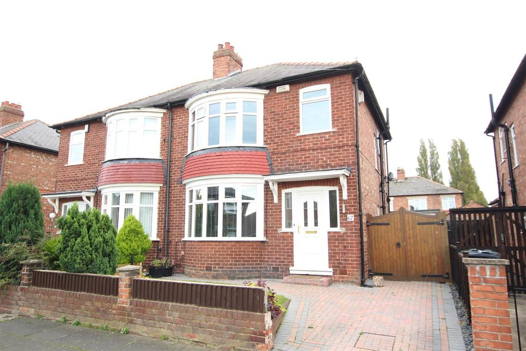 3 Bedrooms Semi Detached House for sale in Carnaby Road, Darlington