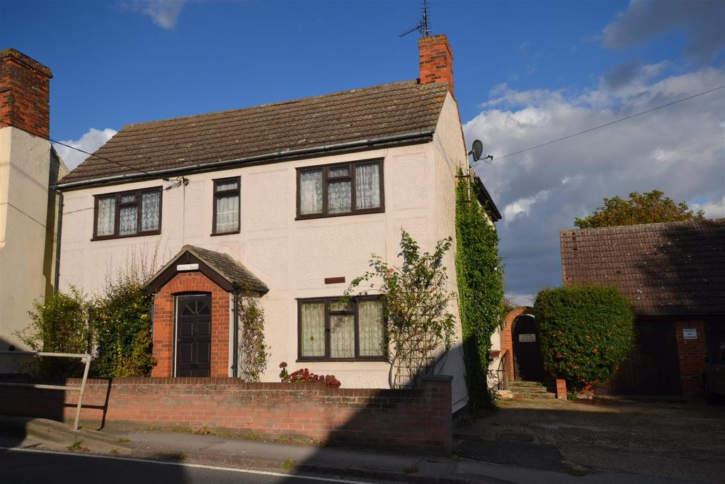 3 Bedrooms Detached House for sale in The Street, Woodham Ferrers, Chelmsford
