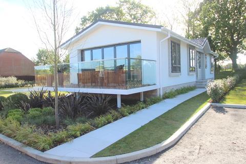 2 bedroom lodge for sale - Satchell Lane, Southampton