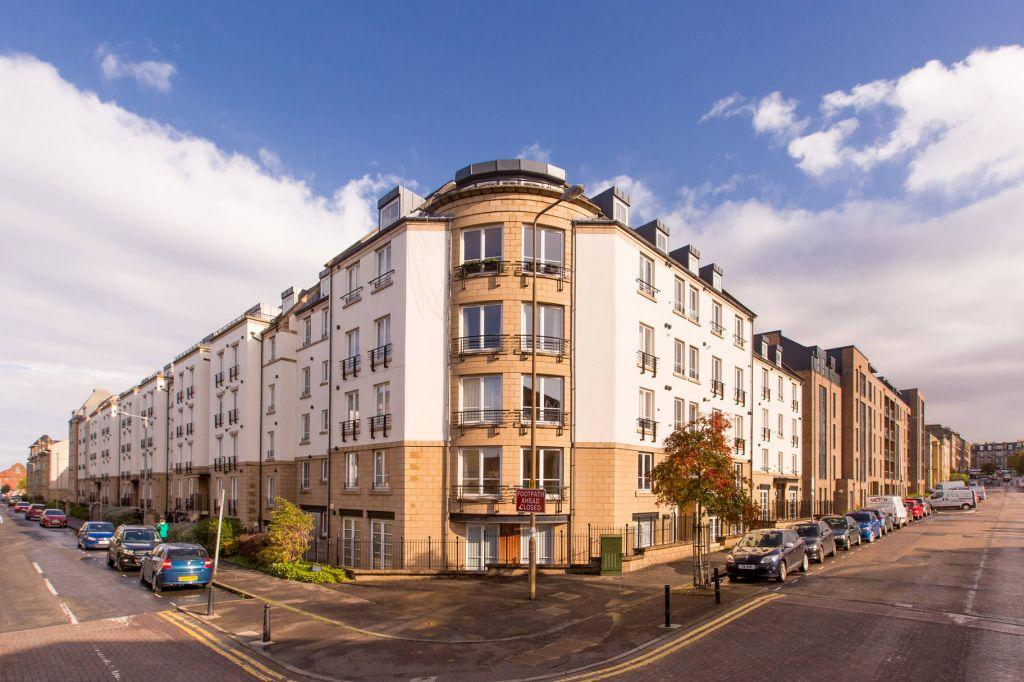 2 Bedrooms Flat for sale in 54b/5 Annandale Street, Edinburgh, EH7 4AZ