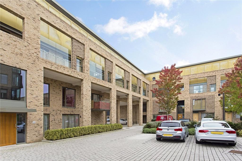 3 Bedrooms Flat for sale in Addenbrookes Road, Trumpington, Cambridge, CB2