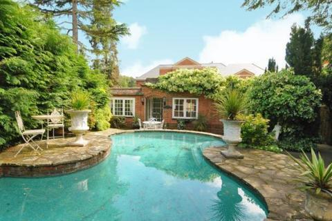 3 bedroom property to rent - Cavendish Road, St Georges Hill, Weybridge, Surrey, KT13 0JY