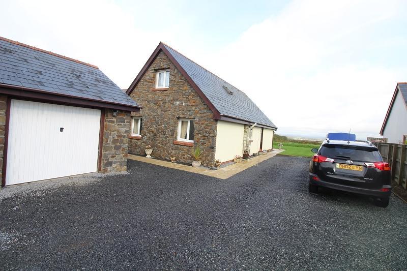 4 Bedrooms Detached House for sale in Ashdale Lane, Llangwm, Haverfordwest, Pembrokeshire. SA62 4NU