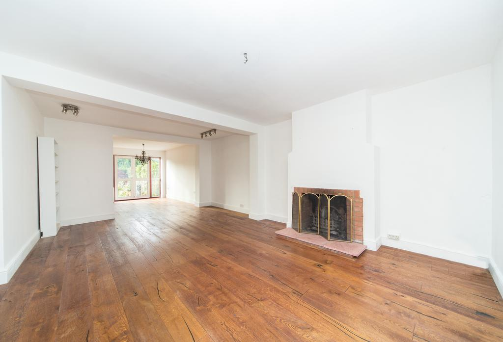 4 Bedrooms House for sale in Walton Gardens, Acton