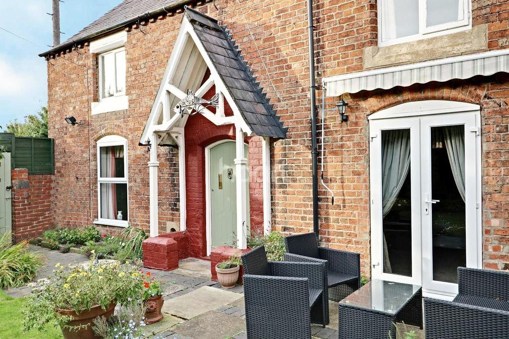 3 Bedrooms Detached House for sale in Middle Street, Corringham, Gainsborough