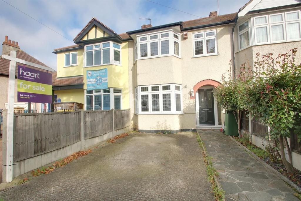 3 Bedrooms Terraced House for sale in Suttons Avenue, Hornchurch