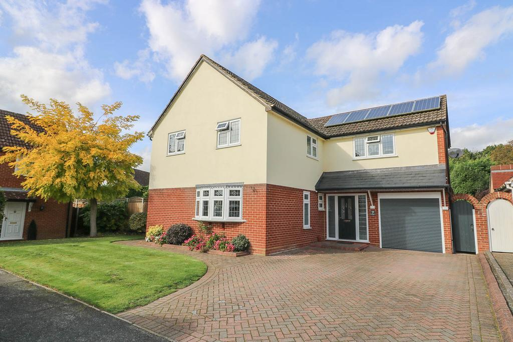 4 Bedrooms Detached House for sale in Chepstow Close , Billericay CM11