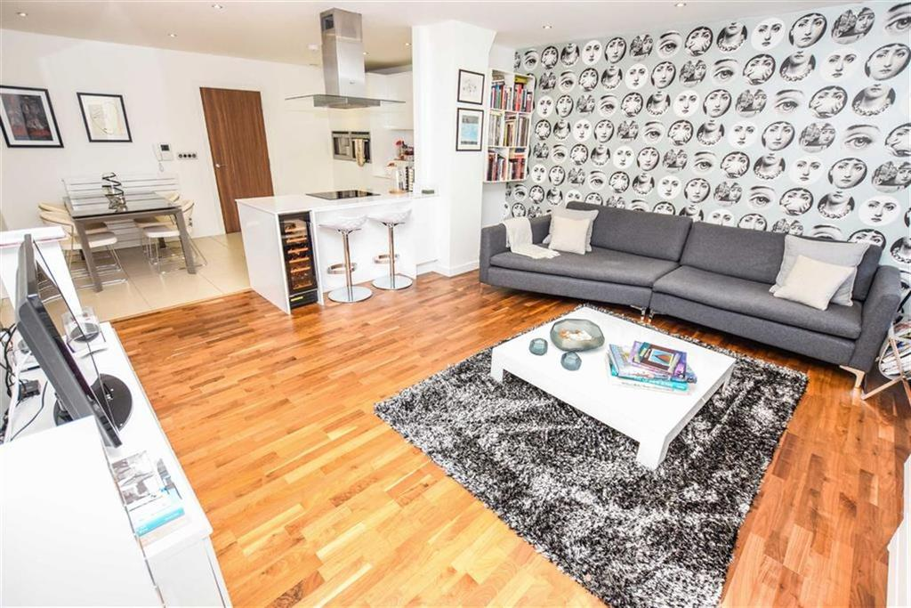 2 Bedrooms Apartment Flat for sale in Manera, Deansgate, Manchester, M3