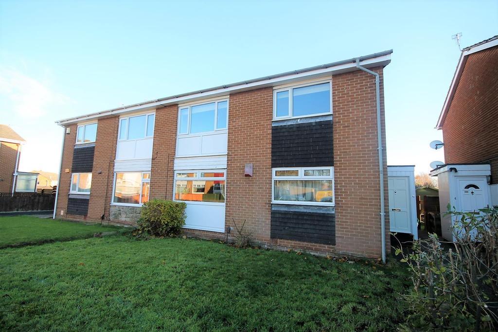 2 Bedrooms Flat for rent in Penshaw Court, Billingham