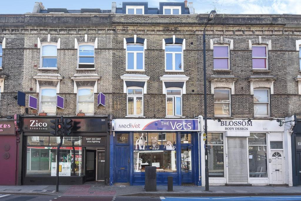 5 Bedrooms Maisonette Flat for sale in Battersea Park Road, Battersea