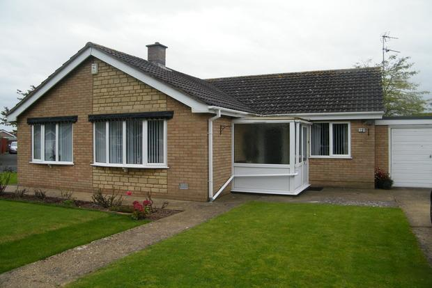 3 Bedrooms Detached Bungalow for sale in Gleneagles Drive, Skegness, PE25