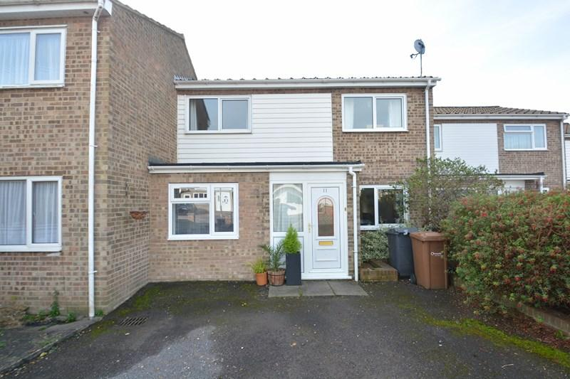 4 Bedrooms Terraced House for sale in Claudius Close, Andover