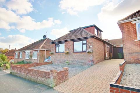 4 bedroom chalet for sale - Cornwall Road, Midanbury