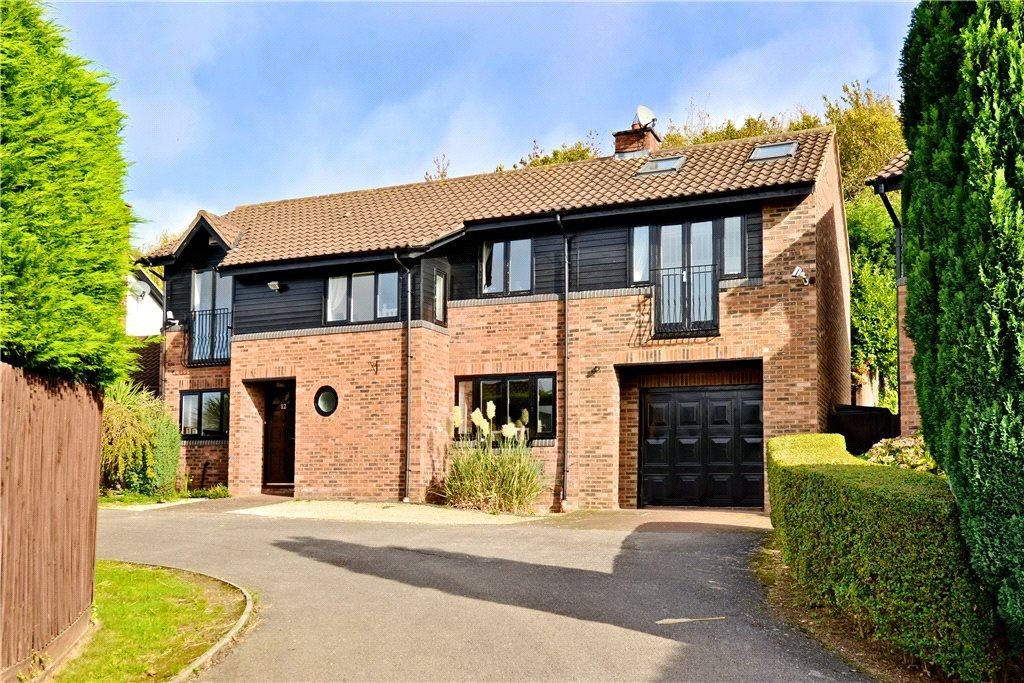 5 Bedrooms Detached House for sale in Metcalfe Grove, Blakelands, Milton Keynes, Buckinghamshire