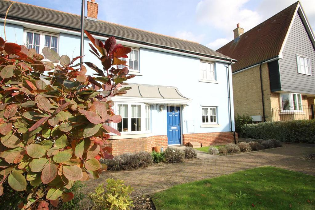 3 Bedrooms Semi Detached House for sale in Meadow park, Braintree