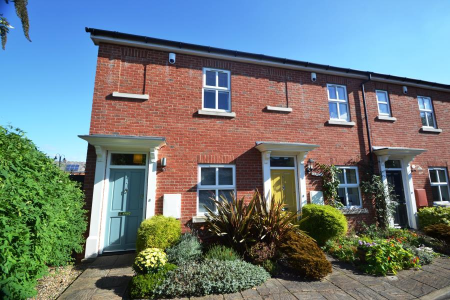 3 Bedrooms House for rent in York Mews, Harborne, B17