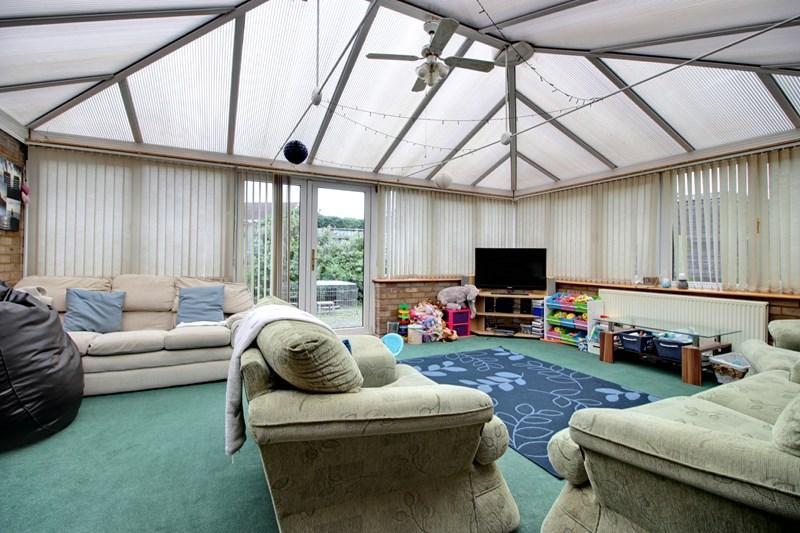 2 Bedrooms Semi Detached Bungalow for sale in Recreation Road, Toftwood, Dereham
