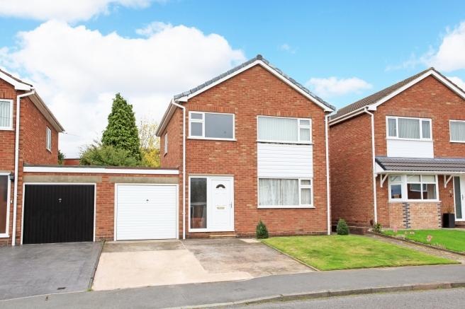3 Bedrooms Detached House for sale in 6 Richmond Avenue, Trench, Telford, Shropshire, TF2 7ES