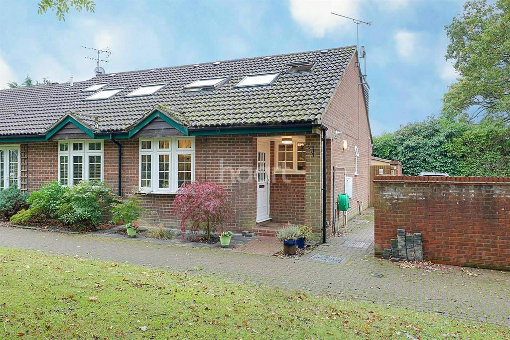 3 Bedrooms Semi Detached House for sale in Bisley, Woking, Surrey
