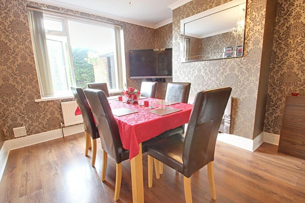4 Bedrooms Semi Detached House for sale in Papplewick Lane, Hucknall