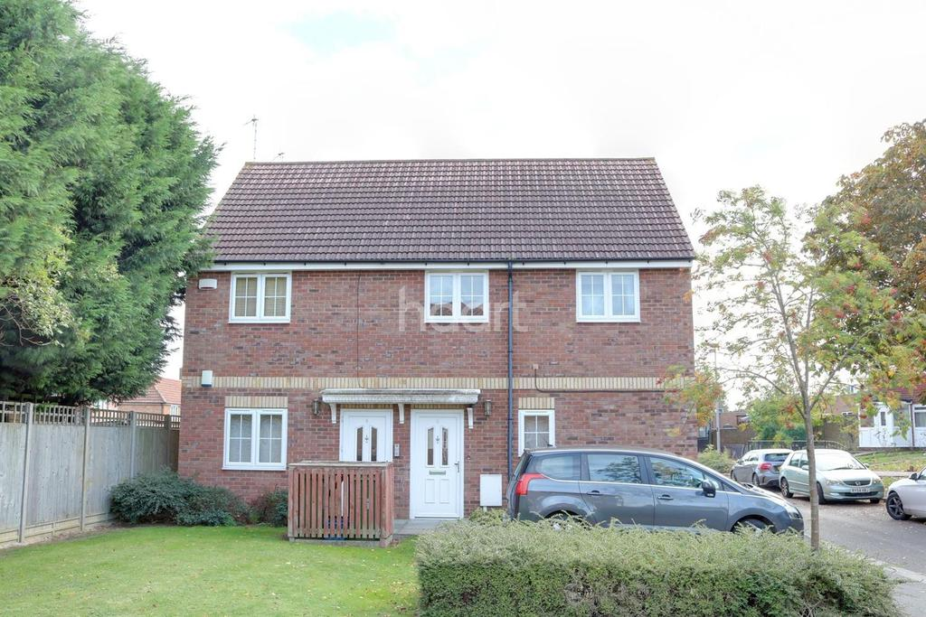 2 Bedrooms Maisonette Flat for sale in Bletchley