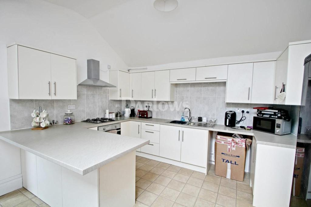3 Bedrooms Terraced House for sale in Clive Terrace, Ynysbwl