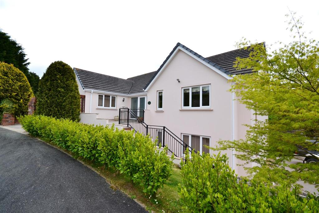 4 Bedrooms Detached House for sale in Woodside Heights, Stepaside, Saundersfoot