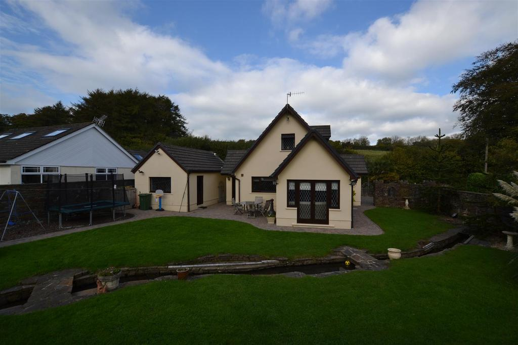 3 Bedrooms Detached House for sale in Valley Road, Saundersfoot