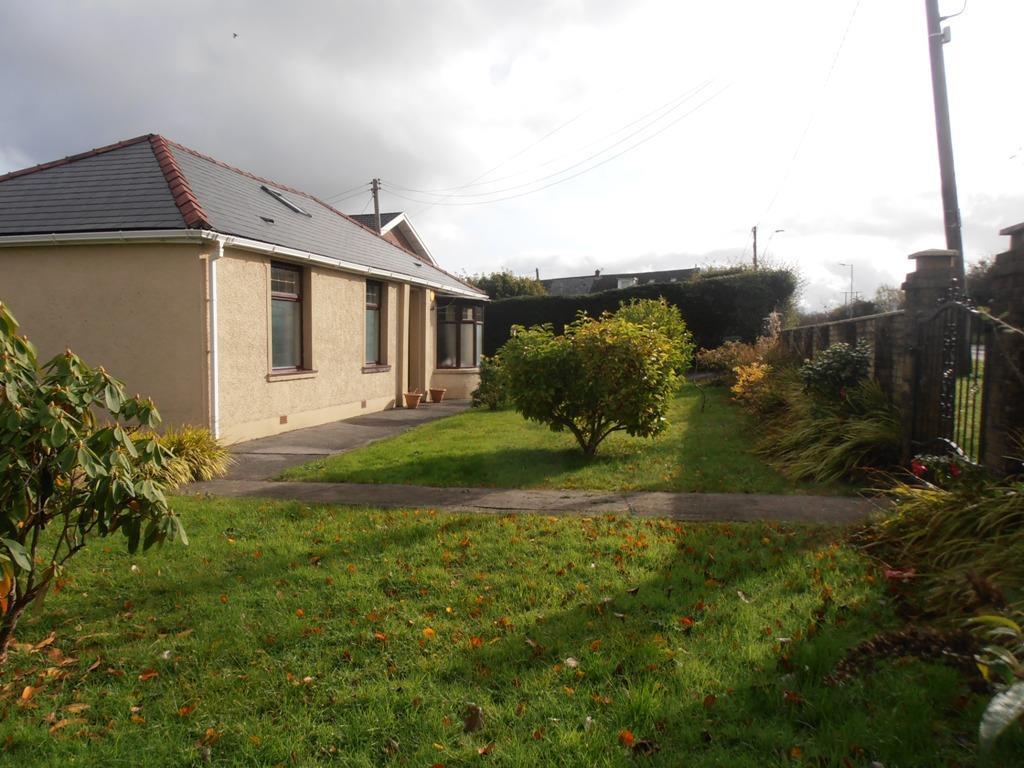 3 Bedrooms Detached Bungalow for sale in Hirwaun Road, Hirwaun, Aberdare