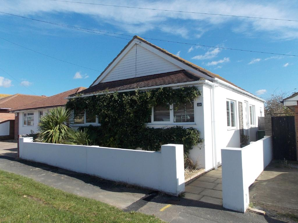 2 Bedrooms Detached Bungalow for sale in Cavell Avenue, Peacehaven, East Sussex