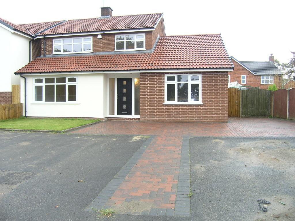 4 Bedrooms Detached House for sale in Manchester Road, Woolston, Warrington