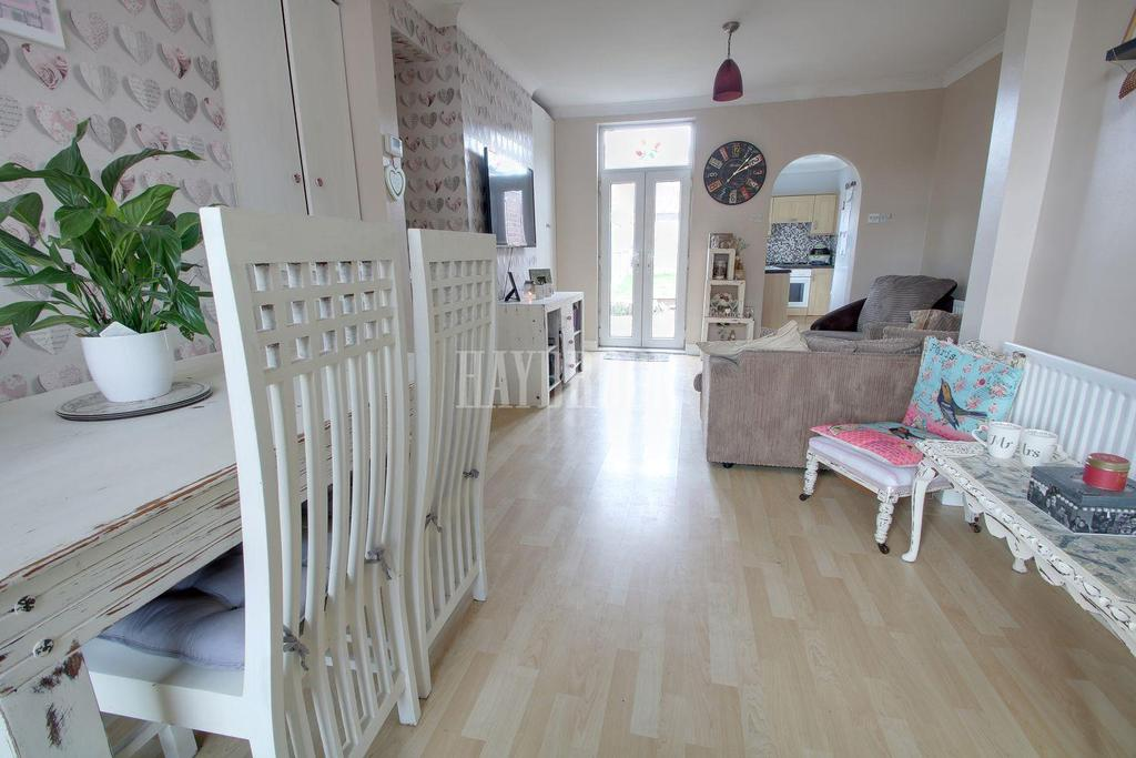 2 Bedrooms Terraced House for sale in West Street, Royston