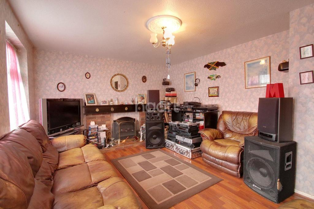 2 Bedrooms Terraced House for sale in Farriers Way, Borehamwood