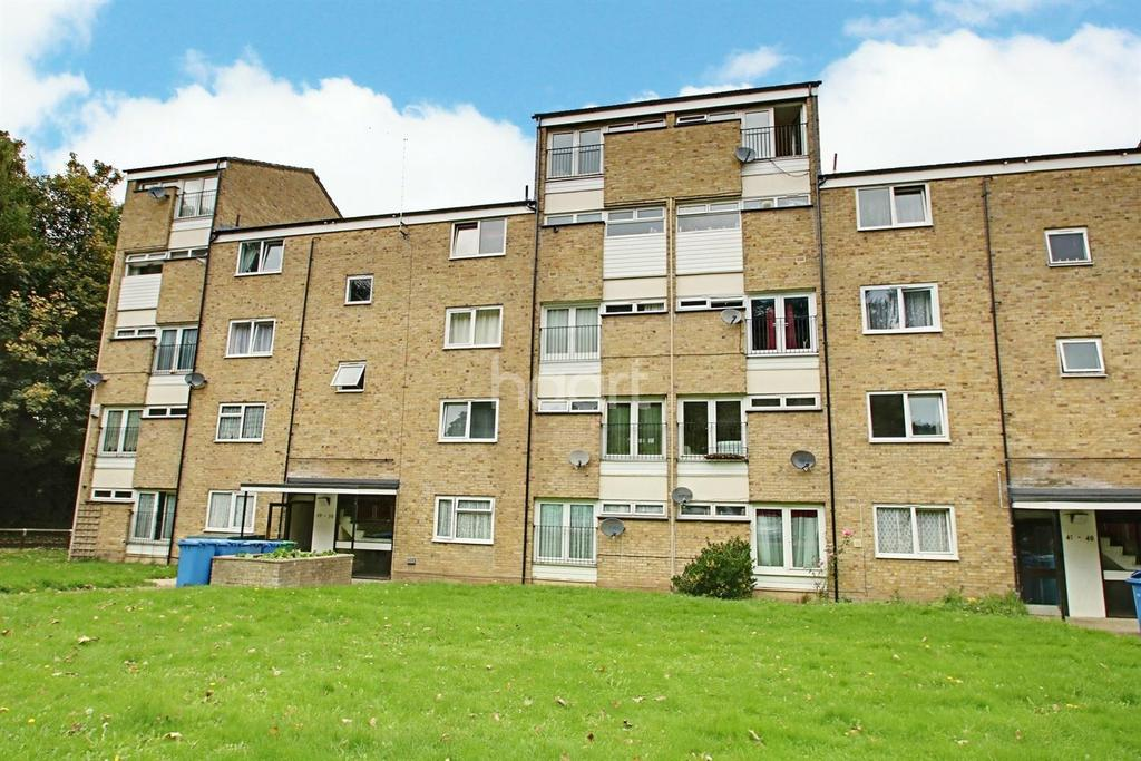 2 Bedrooms Flat for sale in Morley Grove, Harlow