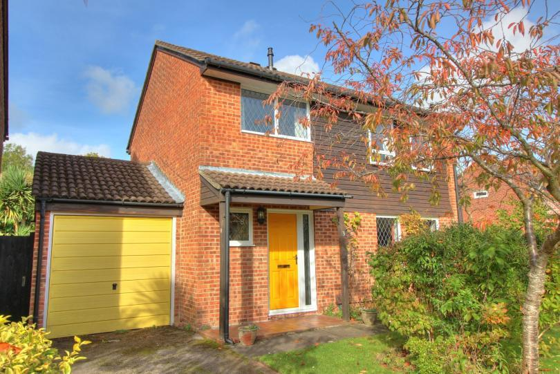 4 Bedrooms Detached House for sale in Ormesby Drive, North Millers Dale, Chandlers Ford