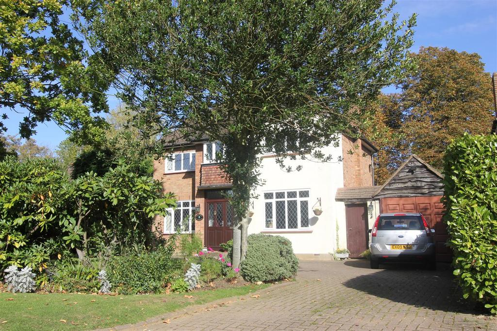 3 Bedrooms Detached House for sale in Heronway, Hutton Mount, Brentwood