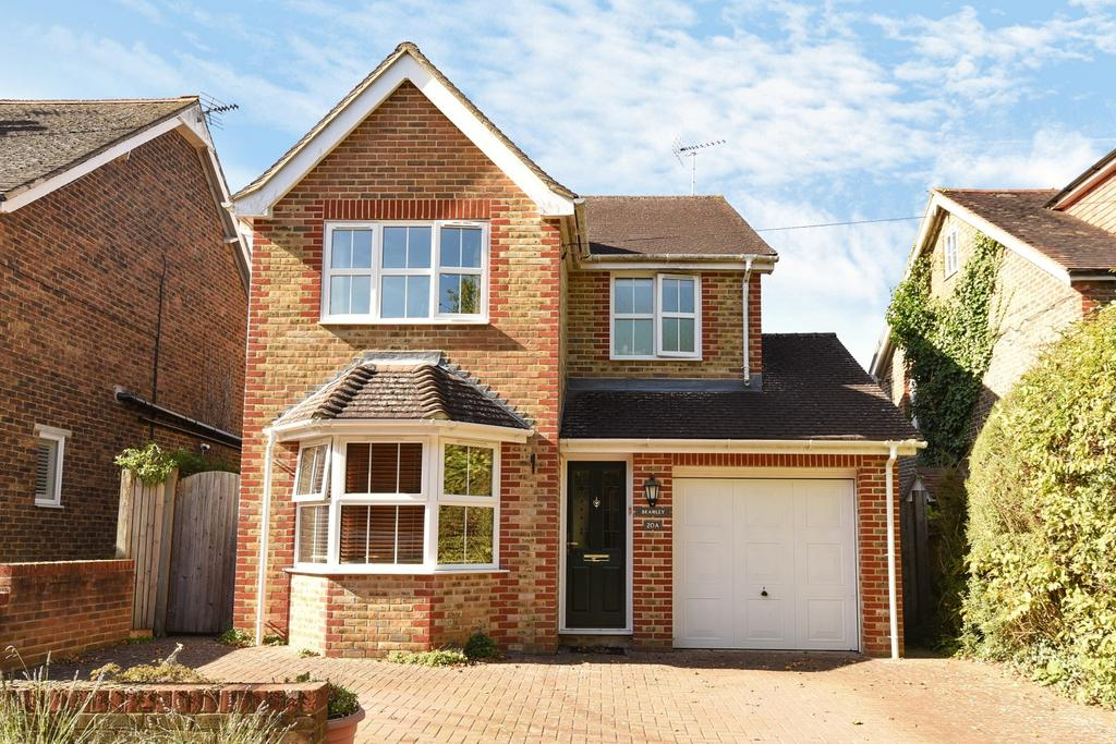 4 Bedrooms Detached House for sale in Hayes Lane, Slinfold, RH13