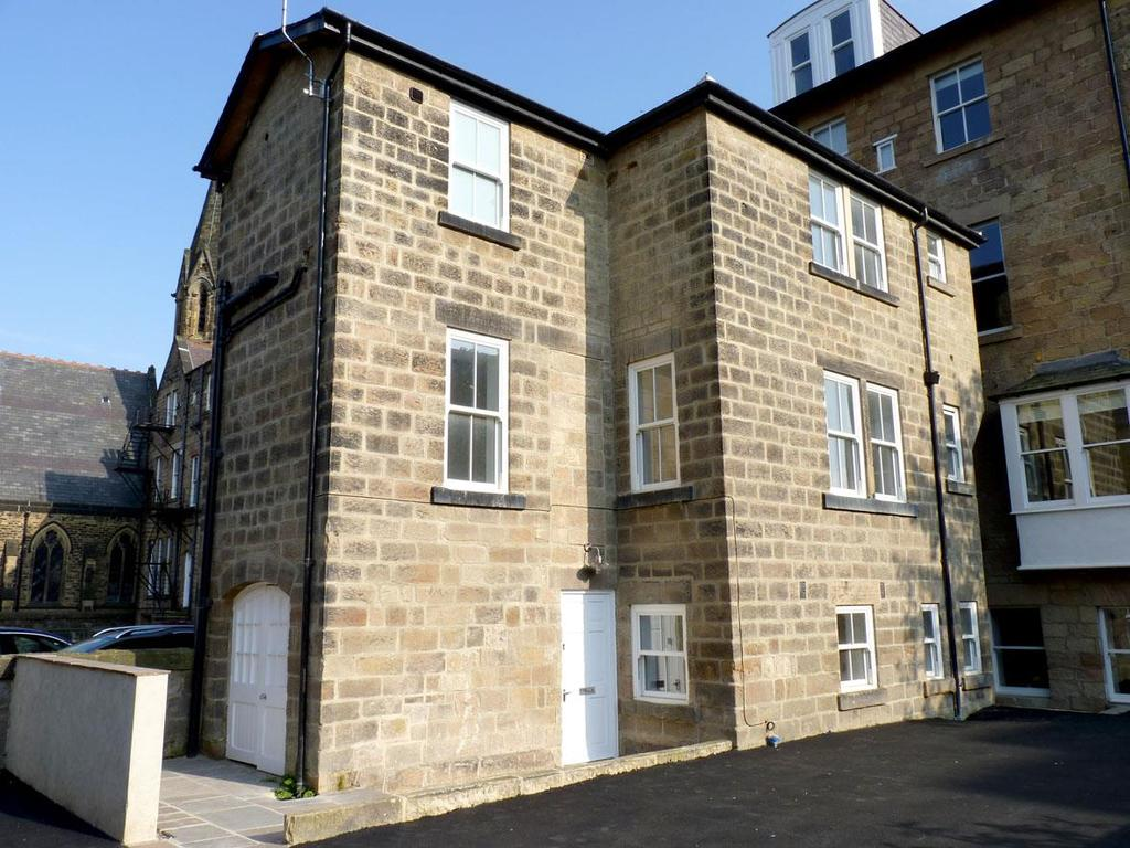 3 Bedrooms Town House for rent in Victoria Avenue, Harrogate