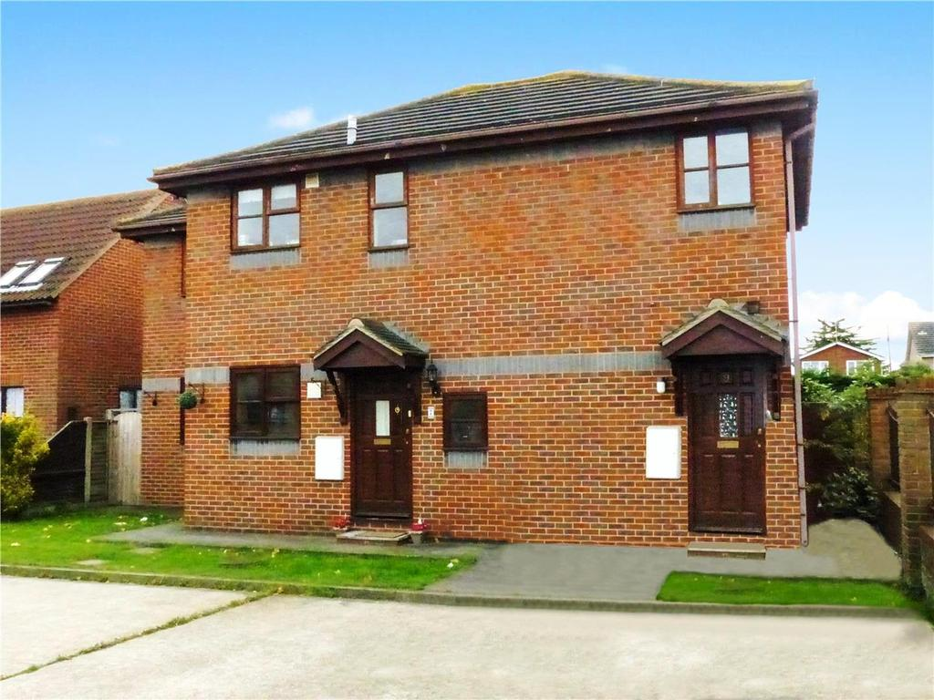 2 Bedrooms Apartment Flat for sale in Ashworths, Canvey Island