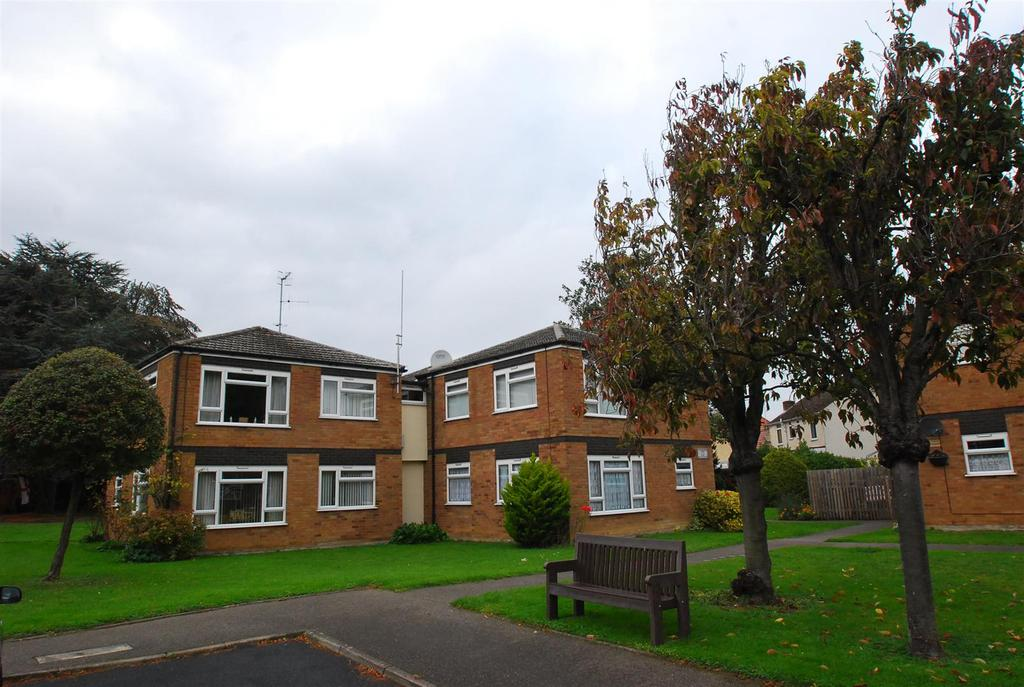 1 Bedroom House for sale in Hanover Close, Bury St. Edmunds