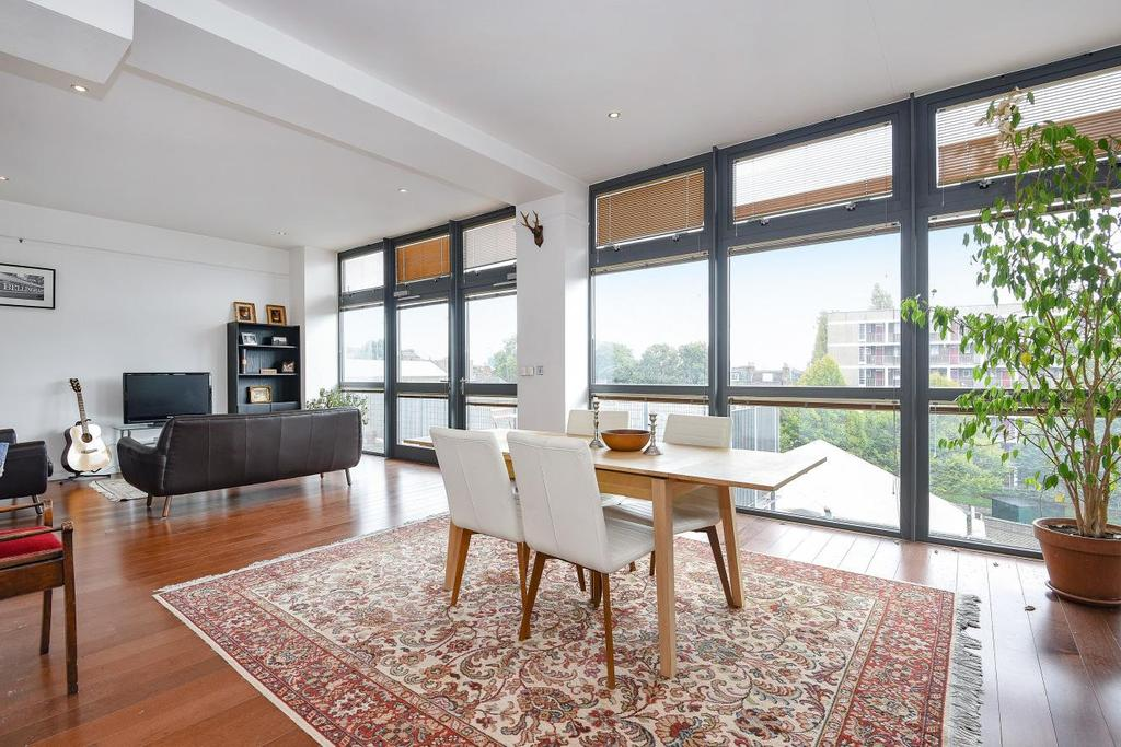 2 Bedrooms Flat for sale in Pentonville Road, Islington