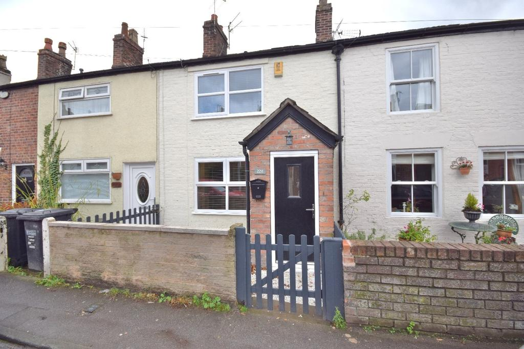 2 Bedrooms Terraced House for sale in Park Lane, Poynton, Stockport