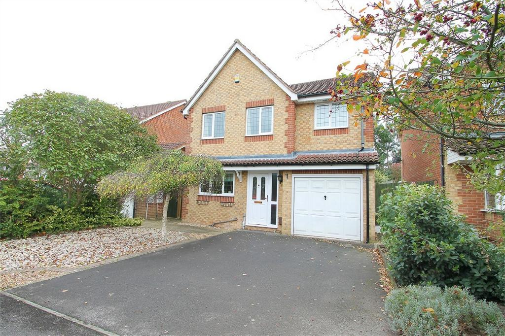 4 Bedrooms Detached House for sale in Mainsail Drive, Fareham, Hampshire