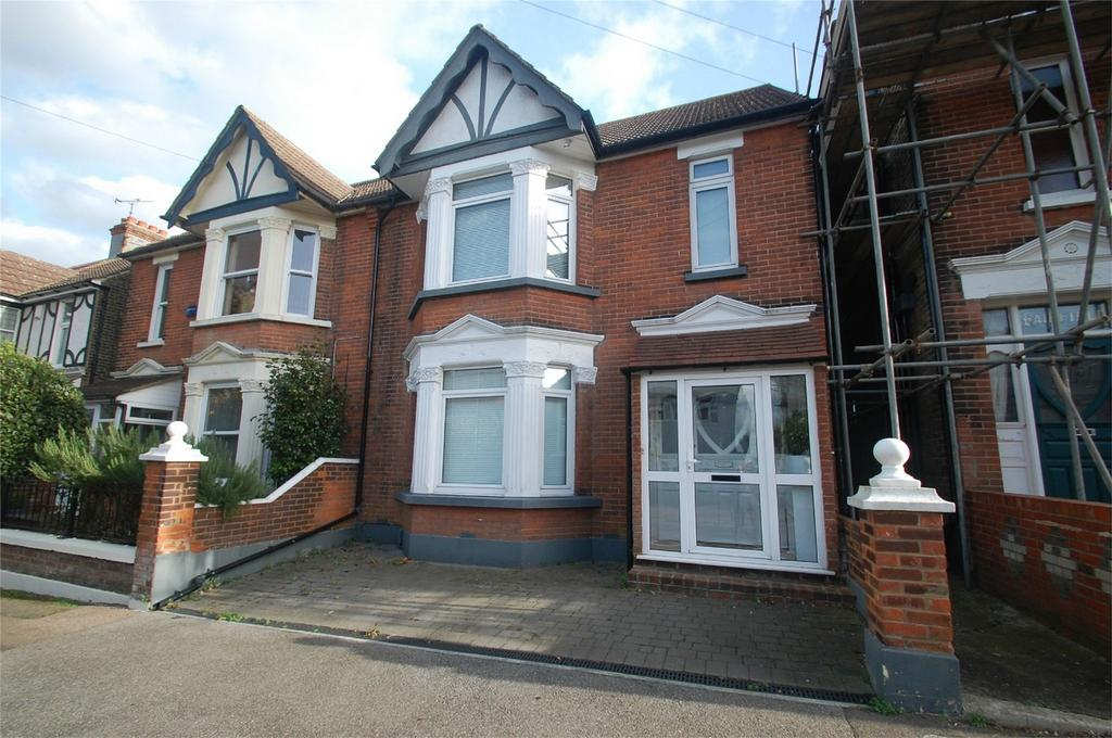 5 Bedrooms Semi Detached House for sale in First Avenue, Gillingham, Kent