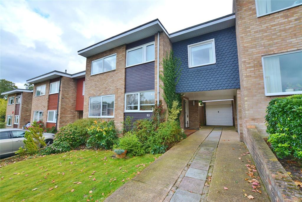 3 Bedrooms Link Detached House for sale in Ivinghoe Road, Bushey, Hertfordshire, WD23